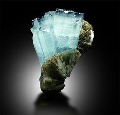 Rare Gemstones, Minerals And Gemstones, Crystals Minerals, Rocks And Minerals, Crystal Shapes, Crystal Grid, Crystal Cluster, Geode Rocks, Aquamarine Crystal