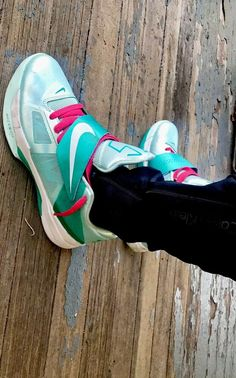 22481d9e00f4 NIKE KEVIN DURANT KD IV 4 USED SIZE 10 EASTER MINT CANDY GREEN WHITE  473679-301  fashion  clothing  shoes  accessories   otherclothingshoesaccessories (ebay ...