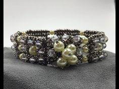 Star Lit Pearls Bracelet Tutorial - YouTube Diy Jewelry, Beaded Jewelry, Jewelry Making, Jewelry Bracelets, Jewellery, Free Beading Tutorials, Beaded Bracelets Tutorial, Ankle Bracelets, Pearl Bracelets