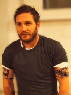 Image shared by Aʟᴇʏɴᴀ. Find images and videos about tom hardy on We Heart It - the app to get lost in what you love. Tom Hardy Tattoos, Tom Hardy Photos, Joy Division, My Tom, Men Looks, Man Crush, Gorgeous Men, Beautiful People, Bearded Men