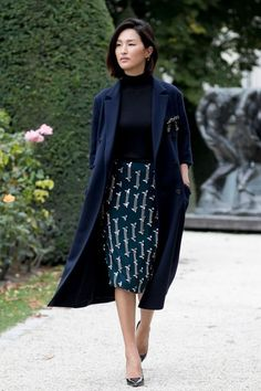 5 Stylish School Outfits for Chic Teachers: #1. A Printed Pencil Skirt - printed pencil skirt outfit with black top and coat; #teacherfashion