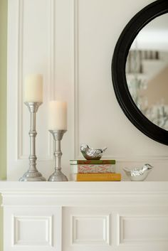 BDG Style: LOVELY LIVING ROOM...like the birds & books on mantle w/ candle holders