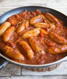 recipes breakfast Devilled Sausages This Devilled Sausages Recipe is the ultimate comfort food. Cooked in one pan with a rich and spicy tomato sauce, quick dinners have never tasted so good! Devilled Sausages Recipes, Deviled Sausages, Pork Sausage Recipes, Meat Recipes, Chicken Recipes, Cooking Recipes, Meals With Sausages, Venison Recipes, Sausage Casserole Slow Cooker