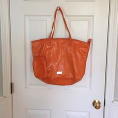 Kenneth Cole tote Kenneth Cole tote and Purse made of really interesting material hardly used Kenneth Cole Reaction Bags Totes