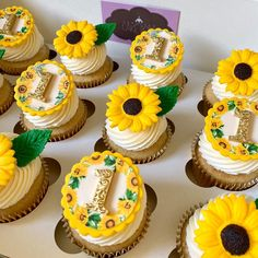 Sunflower Cupcakes, Sunflower Party, Cheesecake Shooters, Dessert Cups, Chocolate Covered Oreos, Cake Pops, Silicone Molds, Baking, Photo Credit