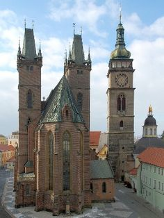 Late Gothic Cathedral of the Holy Spiritin Hradec Králové (East Bohemia), Czechia. Gothic Cathedral, Cathedral Church, Sacred Architecture, Historical Architecture, Prague, Chapelle, Central Europe, Place Of Worship, Beautiful Places To Visit