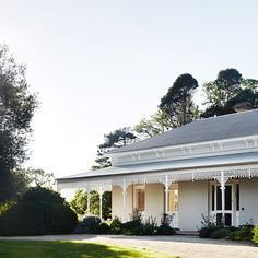 A remarkable restoration and renovation for one of Mansfield's oldest Victorian properties, by Templeton Architecture. Style At Home, Country Style Homes, Australian Country Houses, Australian Homes, Australian Architecture, Architecture Photo, Modern Architecture, D House, Facade House