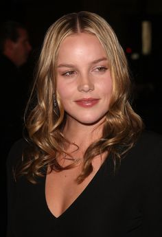 In April Cornish starred in Limitless as Lindy. The film adaptation of the novel The Dark Fields, directed by Neil Burger and also starring Bradley Cooper and Robert De Niro. Bradley Cooper Girlfriend, Very Beautiful Woman, Dead Gorgeous, Abbie Cornish, The Hollywood Bowl, Hollywood Boulevard, Glamour Magazine, Successful Women, Charlize Theron