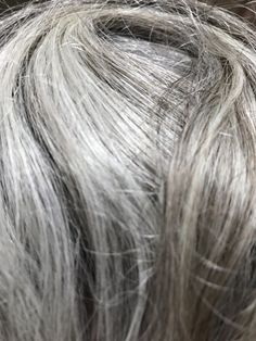Naturally Brighten Gray Hair and Keep It That Way using QuickSilverHair Clay and Oil. Learn ways to brighten, cleanse, and maintain your silver hair. Grey Hair Rinse, Shampoo For Gray Hair, Purple Shampoo, Warm Brown Hair, Brown Hair With Highlights, Light Brown Hair, Grey Hair Yellowing, Grey Hair Turning Yellow, Hair Clay