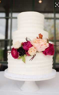 White Wedding Cakes white wedding cake with flowers. - This Red Fall Winery Wedding has beautiful blooms inspired by the season fill this romantic day that has so many vintage details, we want to share them all! Wedding Cakes With Flowers, Elegant Wedding Cakes, Beautiful Wedding Cakes, Beautiful Cakes, Perfect Wedding, Fall Wedding, Dream Wedding, Wedding Shoes, Wedding Rings