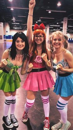 Looking for Halloween Costumes for your Girl Squad? Take quick inspirations from this round-up of fabulous Girlfriend Group Halloween Costumes right here. Powerpuff Girls Halloween Costume, Cute Group Halloween Costumes, Cute Costumes, Couple Halloween, Halloween Outfits, Costumes For Women, Halloween Tumblr, Girl Group Costumes, Woman Costumes