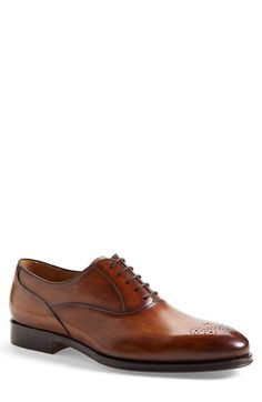 Magnanni // 'Gabino' Medallion Toe Oxford