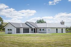 With Linea Weatherboard your home can have all the distinctive features and charm of weatherboard, low maintenance, premium fibre cement. Traditional Home Exteriors, Traditional House, James Hardie, Cladding, Colonial, Shed, Villa, Outdoor Structures, Architecture