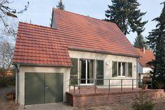 stories within architecture / Kleines Haus ganz groß / Energetische Sanierung der zweischaligen Außenwand mit Perlitdämmung