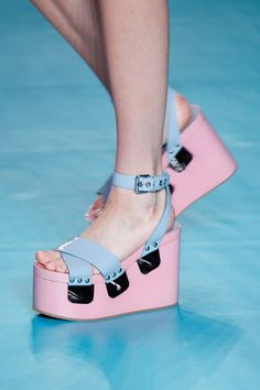 Miu Miu Spring 2017 Ready-to-Wear Accessories Photos - Vogue
