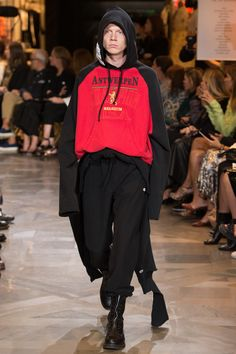 Vetements Spring 2017 Menswear Fashion Show Collection