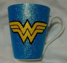 Wonder-Woman-Mug-Blue-Yellow-Glitter-Logo-DC-Comics-Justice-League-NWT-VHTF