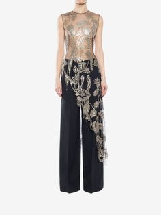Shop Women's Asymmetrical Lily Pad Top from the official online store of iconic fashion designer Alexander McQueen. Look Fashion, Indian Fashion, Fashion Design, Modern Filipiniana Dress, Dress Over Pants, Stylish Clothes For Women, Evening Dresses, Formal Dresses, Ao Dai