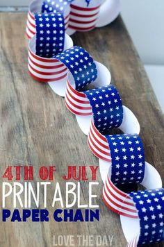 Perfect 4th Of July Crafts For Kids! Patriotic Paper chains for decorating your mantel, hanging from a dessert table or serving as a party backdrop! MichaelsMakers Love The Day