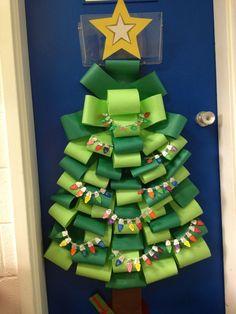 decoraçao de porta de natal pinheiro