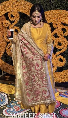 Brides side Mayoon outfit Inspo ( designer is maheen shah ) Mehendi Outfits, Pakistani Wedding Outfits, Indian Bridal Outfits, Indian Party Wear, Indian Bridal Wear, Pakistani Dresses, Dulhan Dress, Mehndi Dress, Function Dresses