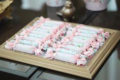 3 anos da Maria Fernanda {Shabby chic} - Joy in the box Third Birthday, 3rd Birthday Parties, Cake Designs For Girl, Shabby Chic Hearts, Elegant Baby Shower, Paper Flower Backdrop, Unicorn Party, Party Ideas, Mixer
