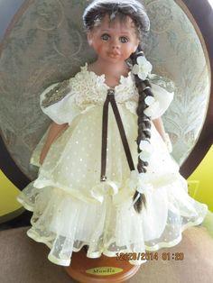 ,Alyssa, MUNDIA doll Christine & Cecile FRANCE MIB, w Tag, Stand and Bear in | eBay