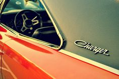 "Chromeography - ""Dodge"" - photos of emblems, badges, logos on cars & other objects"