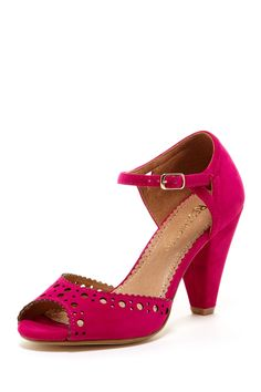 Restricted Denver Low Heel Sandal on HauteLook - hopefully, I will be able to wear these now