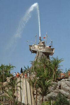 Disney's Typhoon Lagoon Miss Tilly and Mount-Mayday