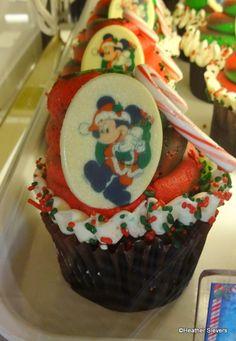 Mickey Mouse Christmas Cupcakes # Disney #Christmas #cupcakes!
