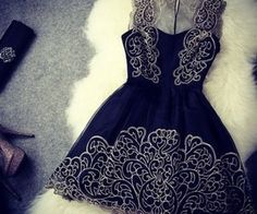 Cheap Vintage Elegant Gold Thread Embroidery Dress &Party Dress For Big Sale!Vintage Elegant Gold Thread Embroidery Dress &Party Dress is sexy lace spliced. Mode Chic, Mode Style, Pretty Dresses, Beautiful Dresses, Gorgeous Dress, Hello Gorgeous, Beautiful Boys, Dress Skirt, Lace Dress