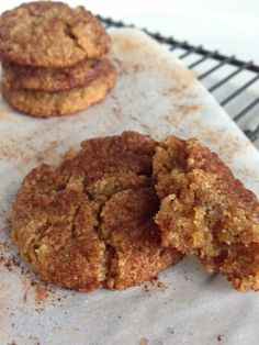 Paleo Browned Butter Snickerdoodles from Clean Eating with a Dirty Mind. This site has delicious-looking paleo treats. Snickerdoodles are tasty but they fall apart. (MM)