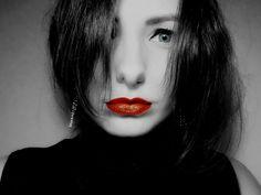 This is meee :* #me #yarynaphotos #nikon #nikontop #girl #woman #blueeyes #occhiazzurri #redlips #labbrarosse