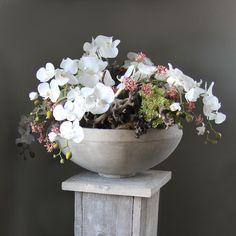 Decoratie met witte zijde orchidee. www.decoratietakken.nl Best Urdu Poetry Images, Project 4, Artificial Flowers, Silk Flowers, Bonsai, Fashion Art, Flower Arrangements, Seasons, Pretty