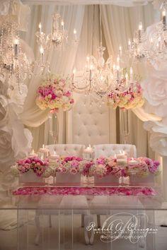 Idée de décor pour votre mariage à l'InterContinental Montréal. / Decor idea for your wedding at the InterContinental Montreal.