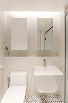 Bathroom Toilets, Bathroom Lighting, House, Living Room, Mirror, Architecture, Furniture, Home Decor, Lisbon