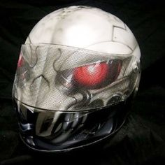 www.ridersdna.com airbrushed ice monster crash helmet.
