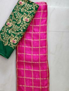 Latest pure jute georgtte sarees with checks and self design Simple Sarees, Trendy Sarees, Fancy Sarees, Designer Silk Sarees, Indian Designer Wear, Checks Saree, Jute, Elegant Fashion Wear, Women's Fashion