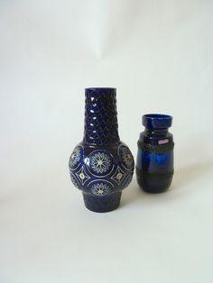 Vase Bay blau weiß Ornamente, Keramikvase vintage von GretaRotkaeppchen auf Etsy