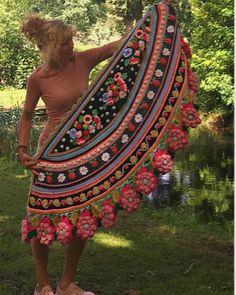 Freeform Crochet, Crochet Art, Crochet For Kids, Crochet Ideas, Crochet Shawls And Wraps, Crochet Scarves, Boho Fashion, Womens Fashion, Crochet Designs