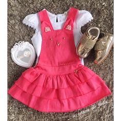 Final de semana chegou e a loja está cheinha de novidades pra os nossos pequenos curtirem com muito estilo!  Que lookinho mais charmoso é esse?!  . . NOVA COLEÇÃO!!. DISPONÍVEIS NA LOJA E WHATSAPP (88) 9.9784.1880 (88) 9.9750.0065 . . #maedemenina #mundorosa #princesa #princess #princesadamamae #gyn #disney #fashion #baby #cute #amomuito #minhavida #vida #itsagirl #girls #happy #infantil #familia #fashionbaby #newborn #photo #littleprincess #instababy #shoes #whiter #talmaetalfilha #kidsf...