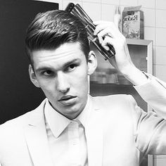 #willymoon getting ready before a #show #yeahyeah #mensstyle #menshairdressers #takapuna #auckland