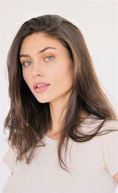 Arab Women, Nose Hoop, Stunningly Beautiful, Girl Crushes, Beautiful Females, Victoria, Gowns, Sierra, Portrait