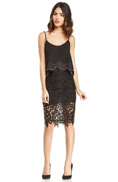 DailyLook: DAILYLOOK Venetian Lace Skirt in Black S - L