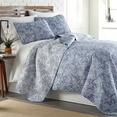 96x110 Waverly Laurel Springs Bedspread Collection Parchment