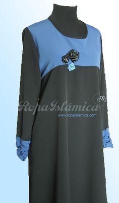 Disponible en stock una negra con pecho azul victoria talla S y otra fuxia con pecho negro talla M