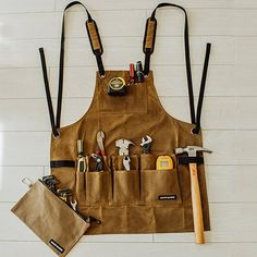 Angry Beaver - Waxed Canvas Work Shop Apron with Bonus Zipper Tool Pouch Tool Apron, Bib Apron, Apron Diy, Cheap Aprons, Carpenter Work, Work Aprons, Retro Apron, Woodworking Apron, Tool Pouch