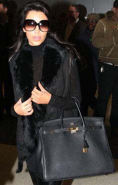 Kim Kardashian Photo - Kim and Khloe Kardashian Arrive in New York