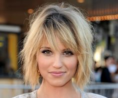 Dianna Agron- LOVE her hair and make up<3